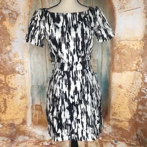 NWT FRENCH CONNECTION Black/White Ripple Dress Sz8